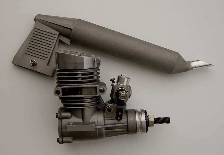 CS .28 FI-SE R/C Engine w/muffler